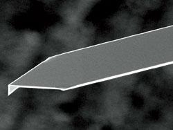 Cantilever1 en silicium moyennement souple