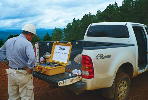 The battery-powered TERRA XRD analyzer in the field.
