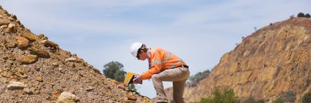 XRF accessories for mineral exploration and geochemical analysis